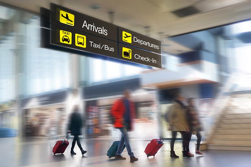 <a style='color:#000' href='/flughafen/'>✈ Wir bringen Sie zum Flughafen ihrer Wahl !</a>